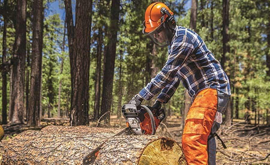 Жител на струшко Богојци се повредил сечејќи дрва